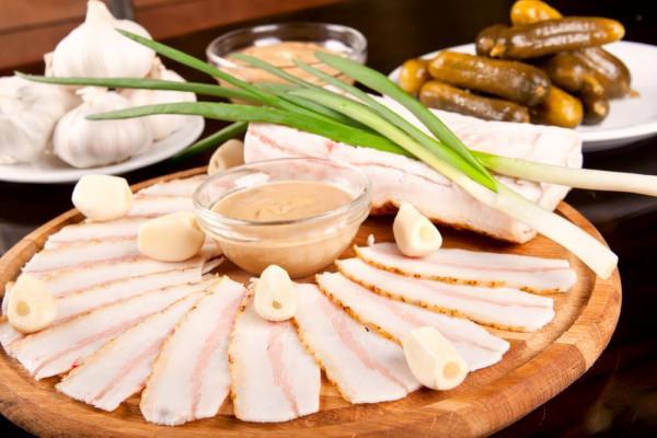 рецепти сала з пециями