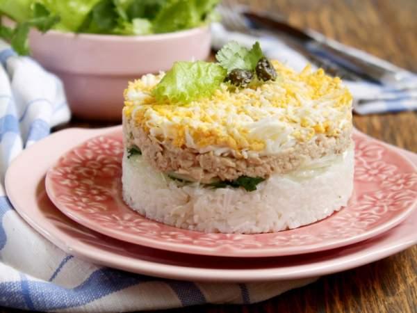 салат с печенью трески с рисом рецепт с фото