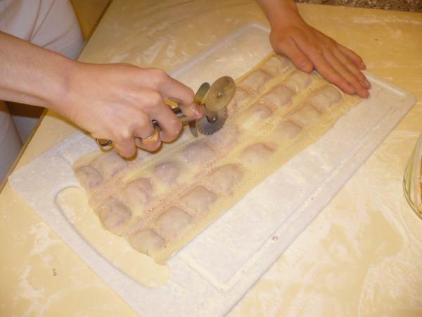 Тесто для пельменей домашних пошагово